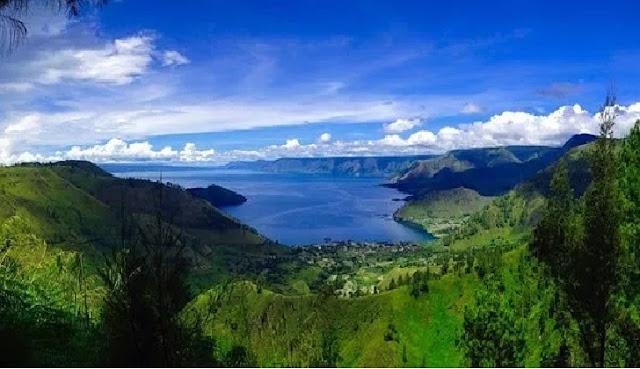1. Danau Toba - Sumatera Utara
