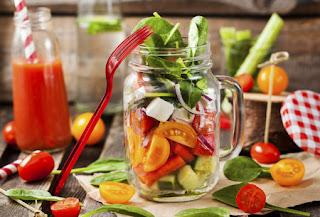 5 Suposiciones Falsas Acerca De La Vida Natural (Desde El Movimiento De Alimentos Crudos)