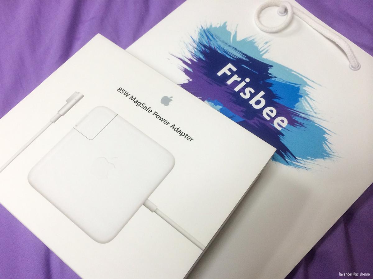 South Korea, Seoul, Hongdae, YISS 2014, Frisbee Korea Authorized Apple Seller
