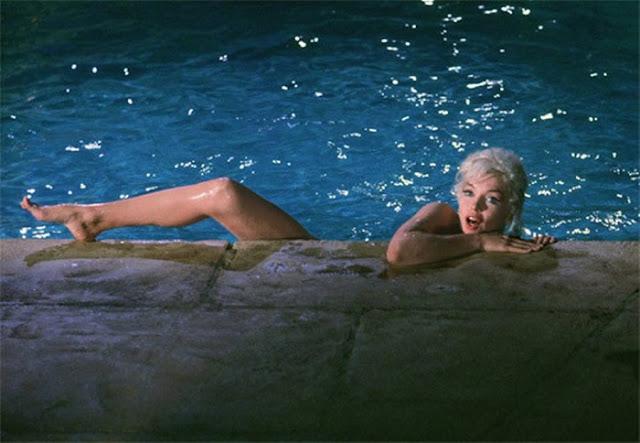 Marilyn Monroe Hot