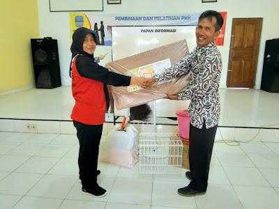 Pemberian Bantuan Fasilitas Kelengkapan POSYANDU