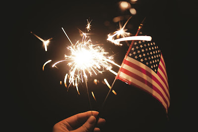 Free-photos: sparkler and flag, Pixabay