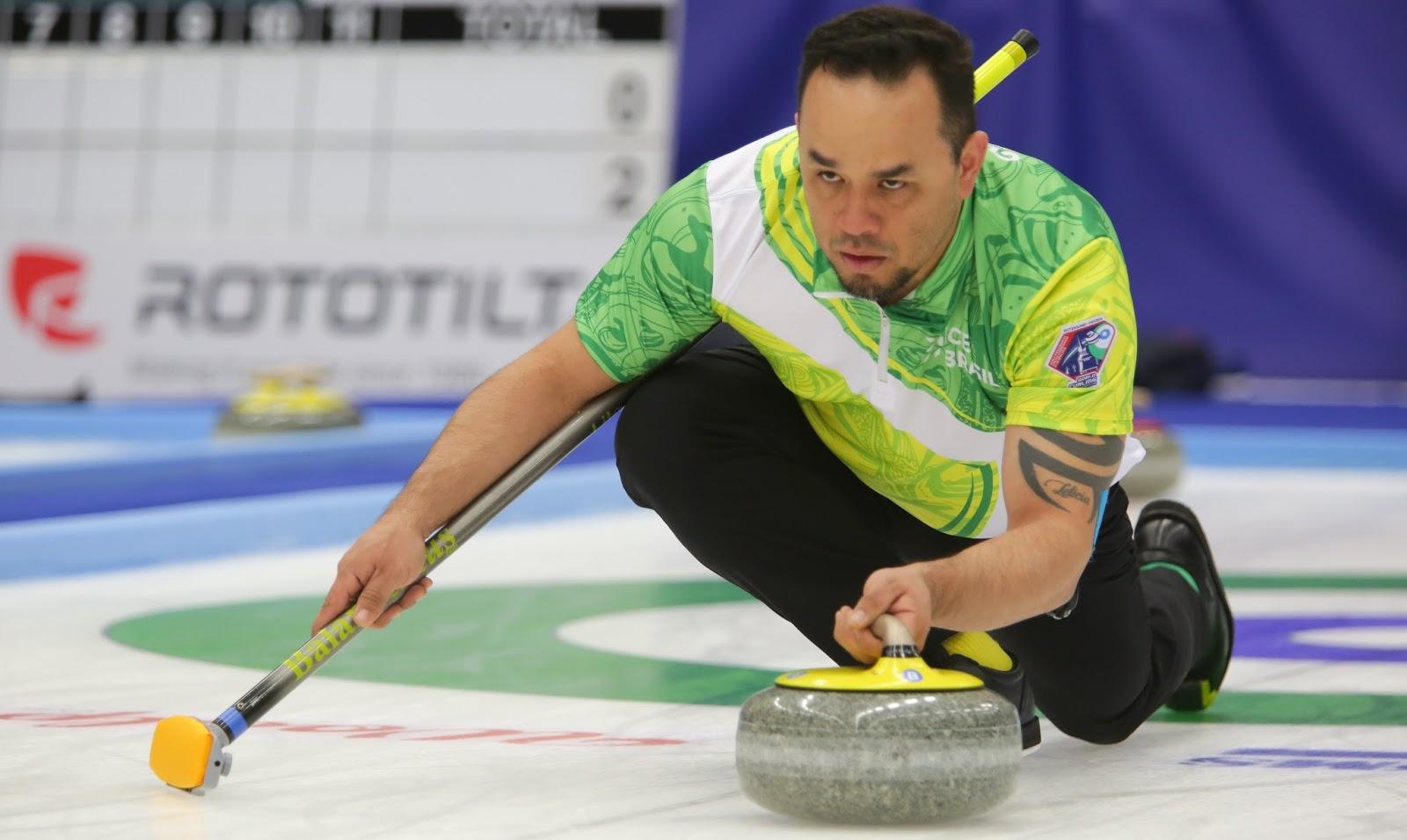 Dupla do Brasil tem dia 'quase' perfeito no Mundial de Curling