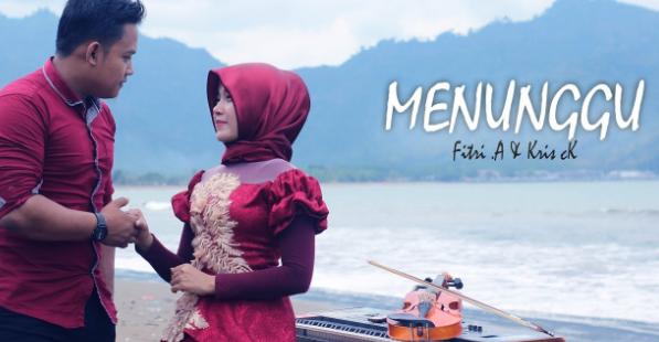 Fitri Alfiana, Candra Kirana, Dangdut, Dangdut Akustik, 2018,Download Lagu Fitri Alfiana - Menunggu Mp3 Dangdut Slow Terbaru Bikin Baper