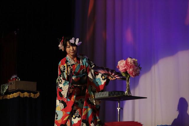 胡蝶の舞|女性マジシャン・アリス(有栖川 萌)|☆マジックショー・イリュージョン・和妻の出張・出演依頼受付中☆