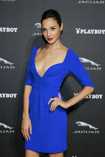 blue dress red red lipstick gal gadot