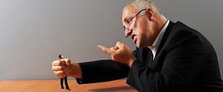 Καταγγελία: Εργοδότης ζητάει με αγωγή 200.000 ευρώ από διανομείς που απέλυσε