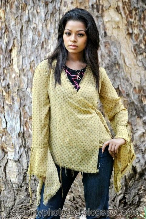 BD Sexy Girl's Anjelika Rahman Latest Hot Photos 2014 In Ladies Fotua And Kurta