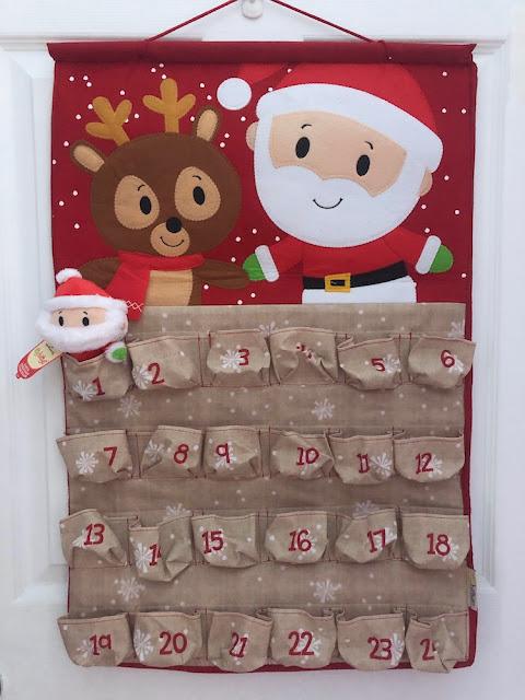 Hallmark Canada itty bittys Christmas Countdown Calendar #LoveHallmarkCA