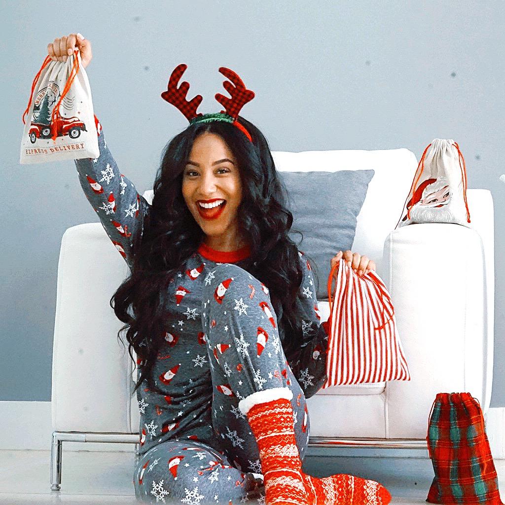 Holiday-Slippers-Pajamas