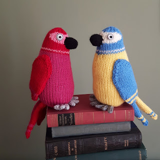 Parrot knitting pattern by Nicky Fijalkowska