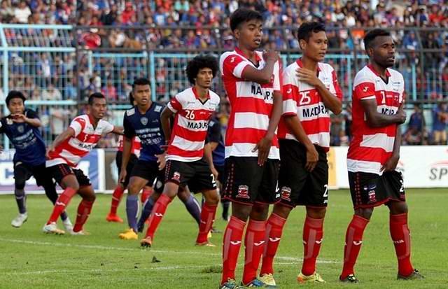 Madura United vs Arema FC