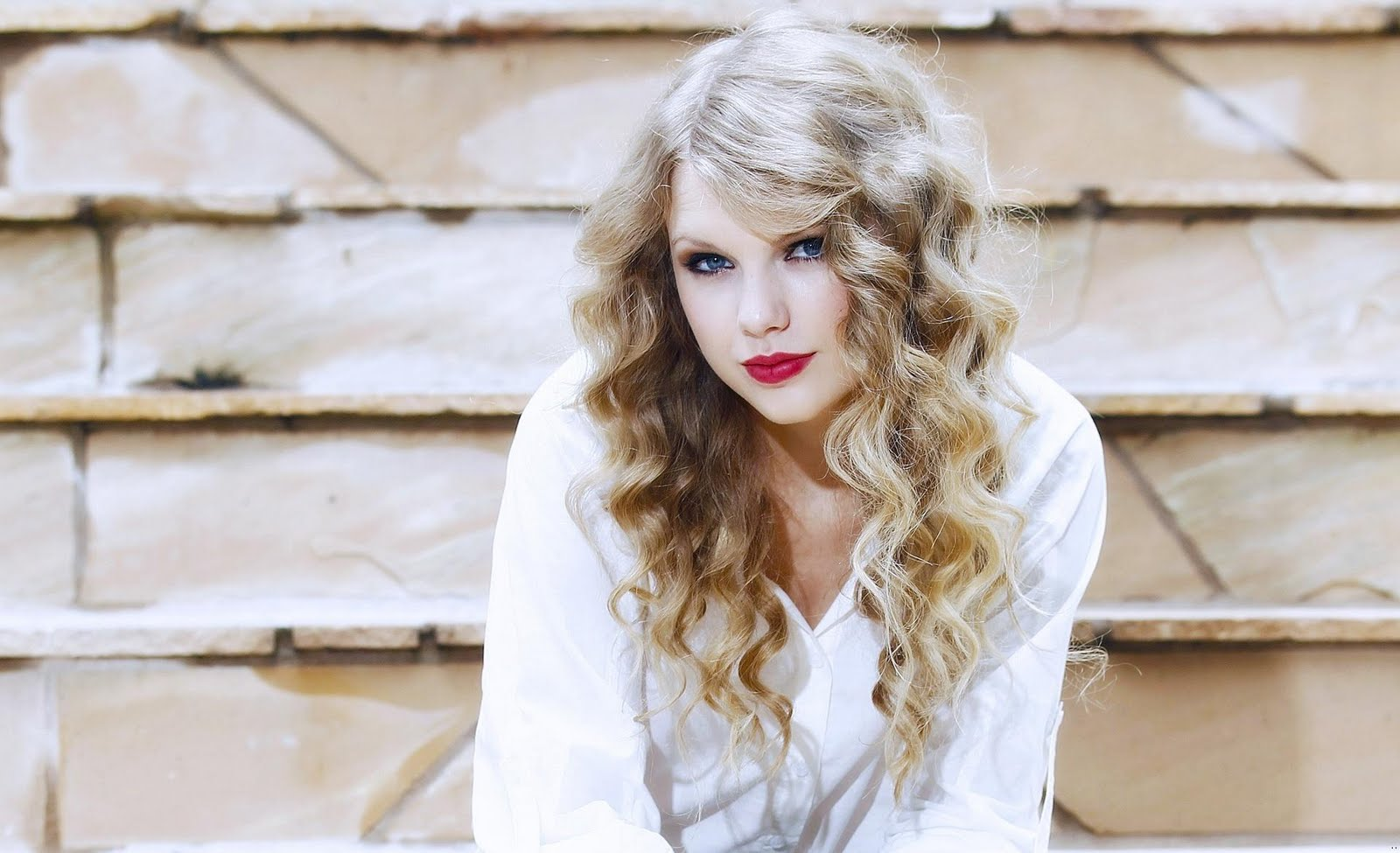 Taylor Swift Beautiful Images: Taylor Swift Beautiful Singer Wallpapers