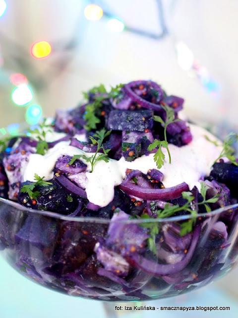 fioletowe ziemniaki, salatka z ziemniakow, salatki ziemniaczane, ryby, sledzie, sledz, wigilia, swieta, menu imprezowe