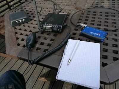 Portable QRP asema testissä takapihalla
