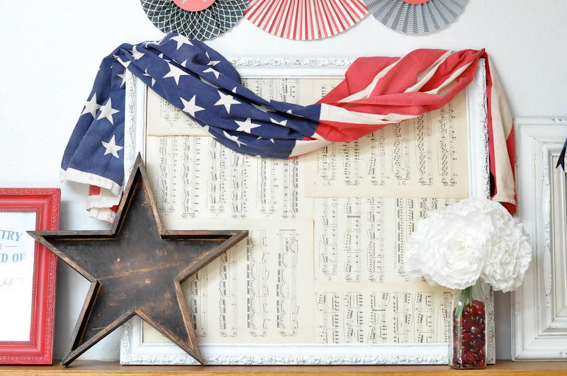 4th of july mantel display {decor ideas}