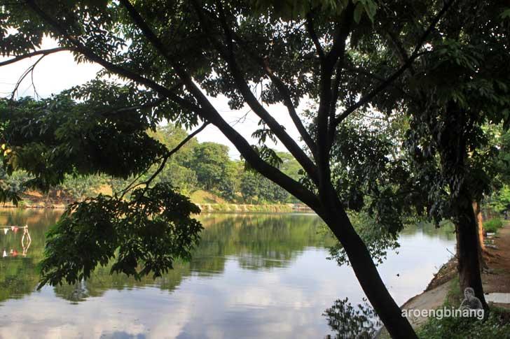 danau kebun binatang ragunan jakarta