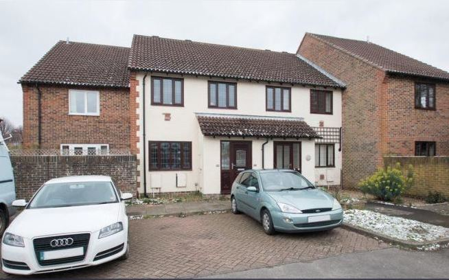 1 bed flat, Tamar Way, Tangmere, Chichester