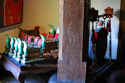 Antiques at Hotel Tugu