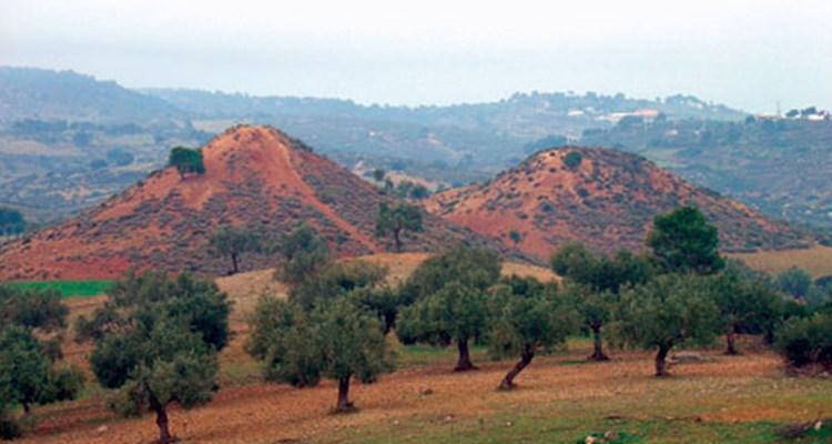 Τι είναι οι μυστηριώδεις λόφοι των Μεγάρων;