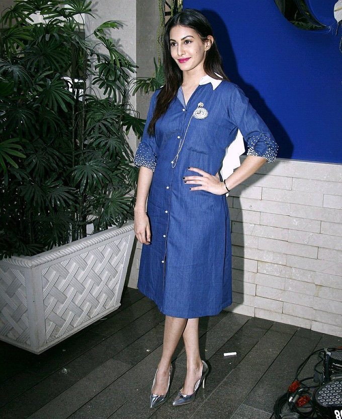 Model Amyra Dastur In Blue Dress At New Fashion Store Launch