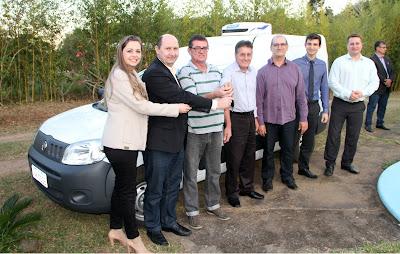 O furgão vai facilitar a distribuição da produção de cogumelos Paris / Itamar Pelizzaro/Ascom SDR