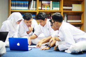 Program Kesiswaan SMA Dwi Warna Islamic Boarding School