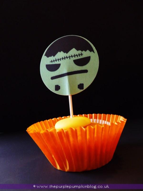 Halloween Cupcake Toppers at The Purple Pumpkin Blog