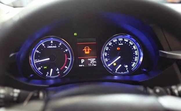toyota corolla altis 2015 toyota tan cang 4 -  - Đánh giá Toyota Corolla Altis 2014 - Phượng hoàng lột xác
