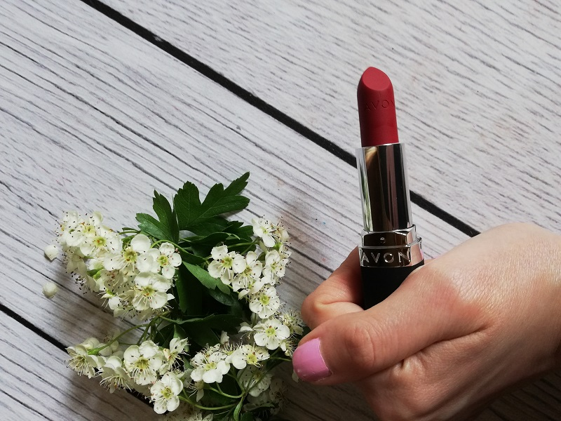 Avon True Color Rose Red