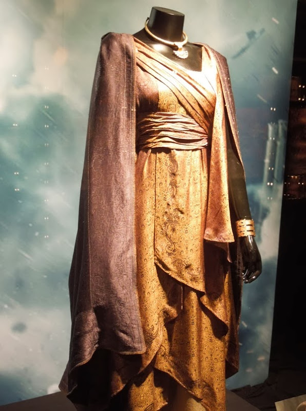Jane Foster Asgardian robes Thor Dark World