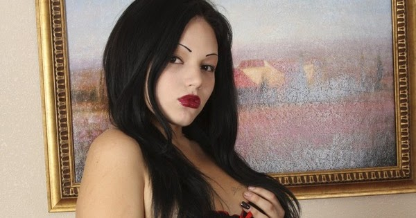 daily sissy photo goth girl