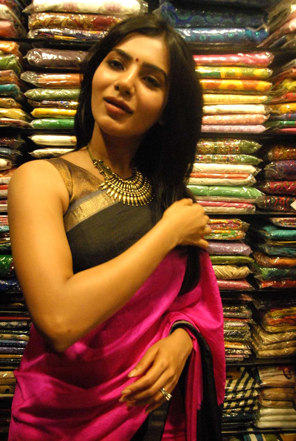 Gorgeous hot sexy Samantha in purple sareee latest pics at anutex launch at as rao nagar