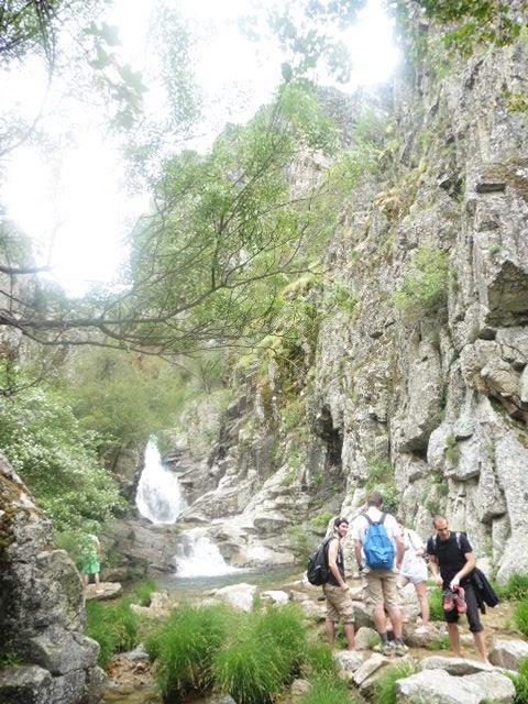 Unas rutas con sendas de madrid de las piscinas for Piscinas naturales las presillas