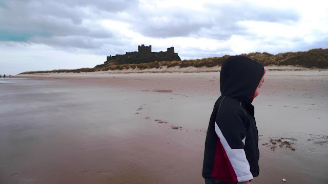 8 Favourite North East Coastal Family Walks bamburgh