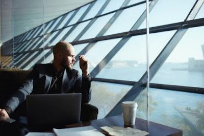 تطوير مهاراتك في العمل الحر والربح من الانترنت