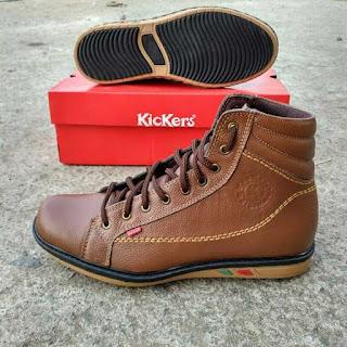sepatu kickers boot coklat muda