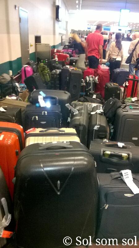 Kasta Väskor På Arlanda : Sol som ankomst till arlanda