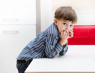 Γιατί το παιδί λέει ψέματα; 3 συχνές αιτίες