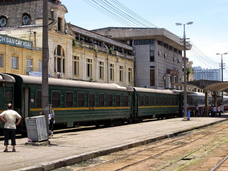 Hanoi central train station, Getting to your platform involves crossing tracks and walking around any parked coaches.