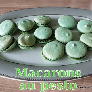 http://danslacuisinedhilary.blogspot.fr/2014/06/macarons-au-pesto-pesto-macaroons.html