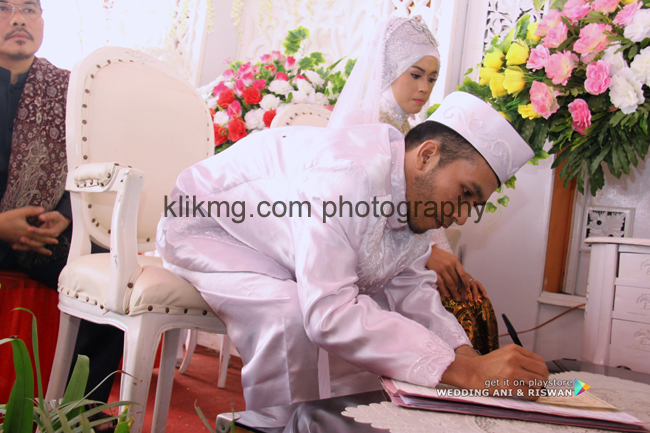 """Album Foto Digital Atas Pernikahan : """" ANI & RISWAN """" 25 September 2015 - Foto oleh Klikmg.com Fotografer Wedding Purwokerto"""