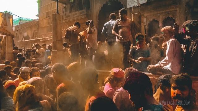 Perayaan Festival Holi di Vrindavan