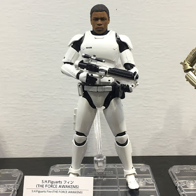 S.H.Figuarts Star Wars Ep.VII Finn in Stormtrooper Gear