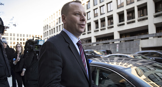 Former Trump aide speaks to Mueller, believes Russia probe is 'not a witch hunt'