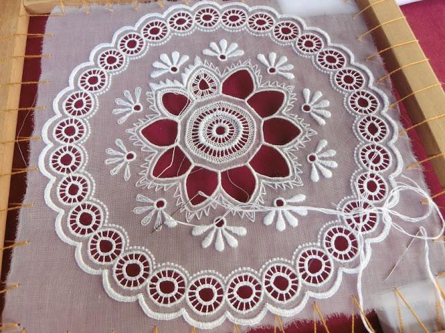 хунгарикум, венгерская вышивка, белая вышивка  фестиваль в Будапеште