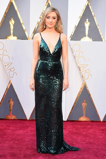 Oscar 2016 Saoirse Ronan vestida de Calvin Klein Collection