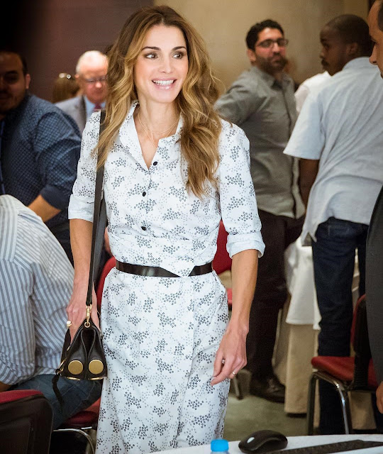 Queen Rania attended a meeting with members of the National Committee for Human Resources Development in Amman