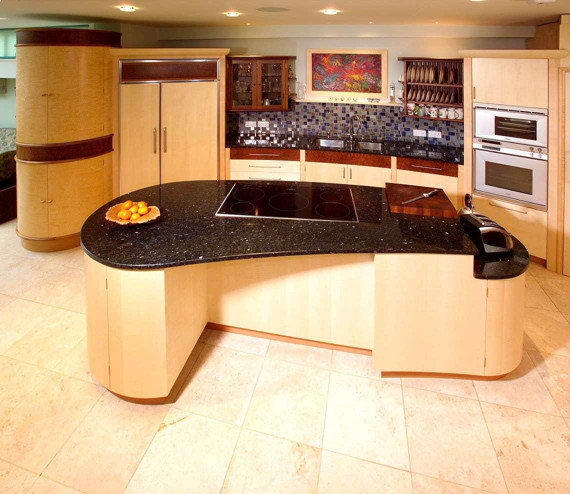Curved Kitchen Countertop Ideas