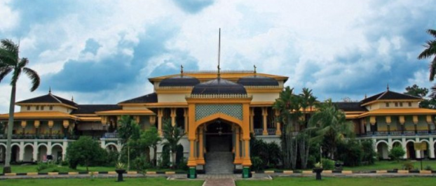 each town usually has to be a marker icon as well the pride of its people so in medan istana maimun or who also known is icons at